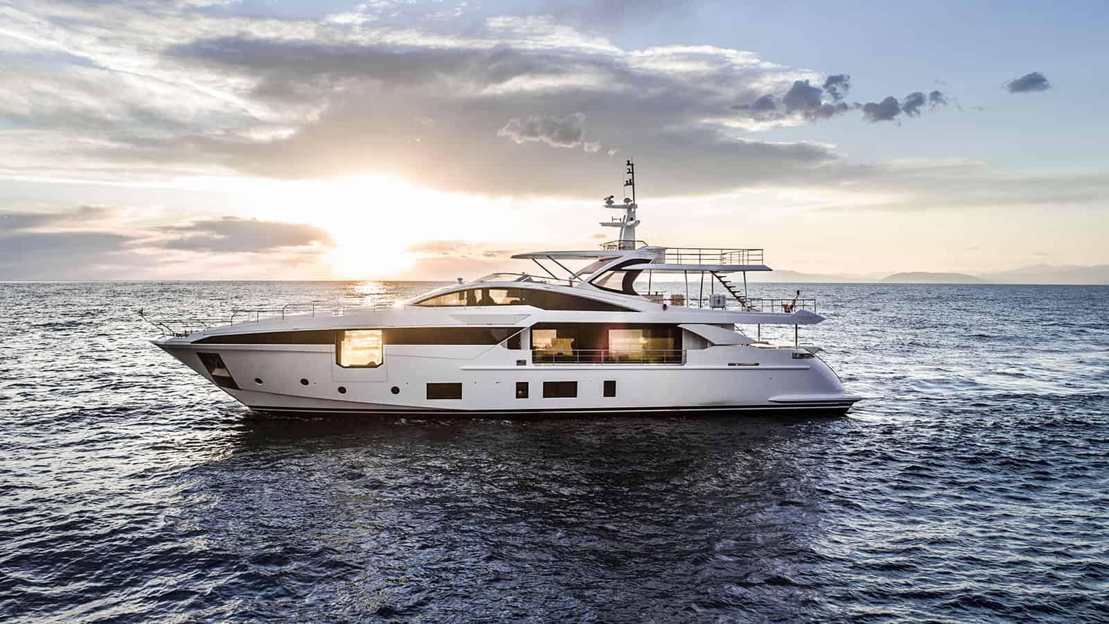 Azimut Grande 35 Metri yacht