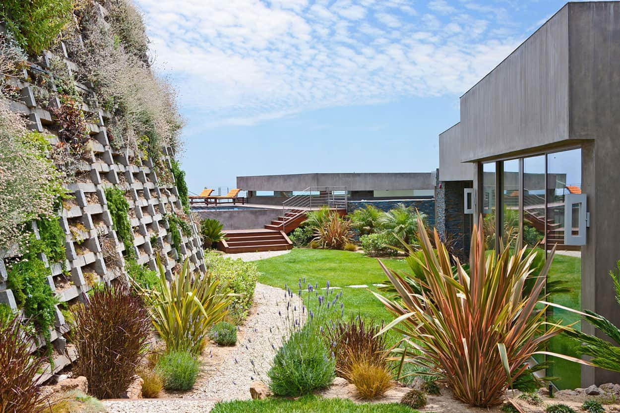 Bridge House in Malibu by Sorensen Architects 2