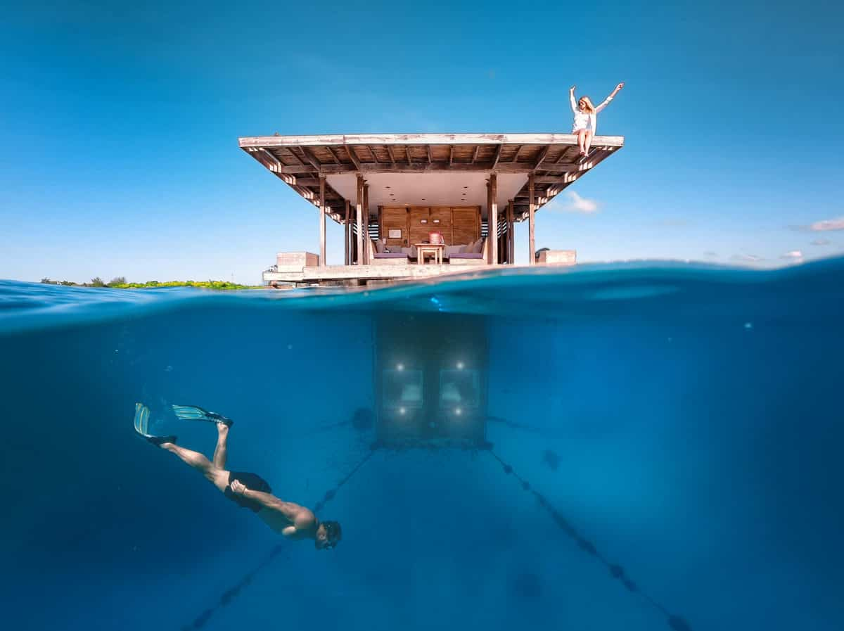 Manta Resort Underwater