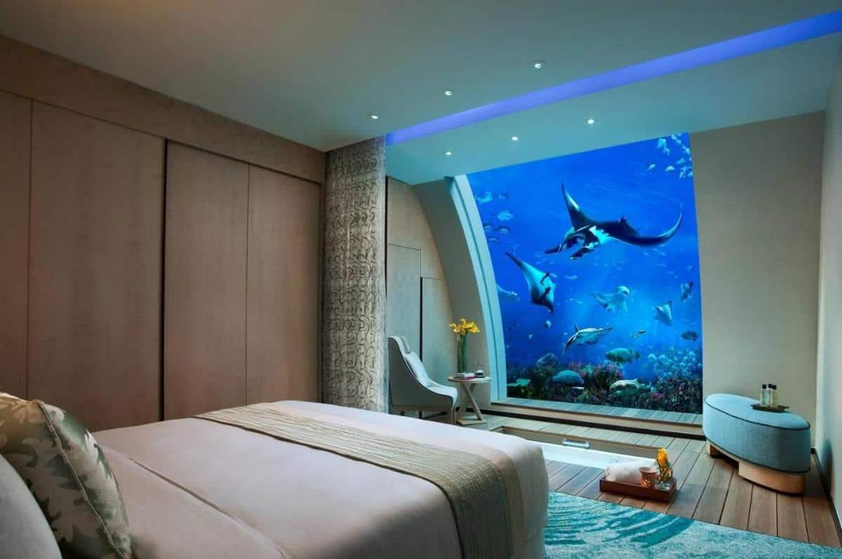 Resorts World Sentosa Underwater Room